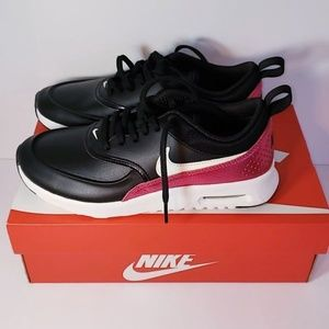 New Nike Air Max Women's Size 6